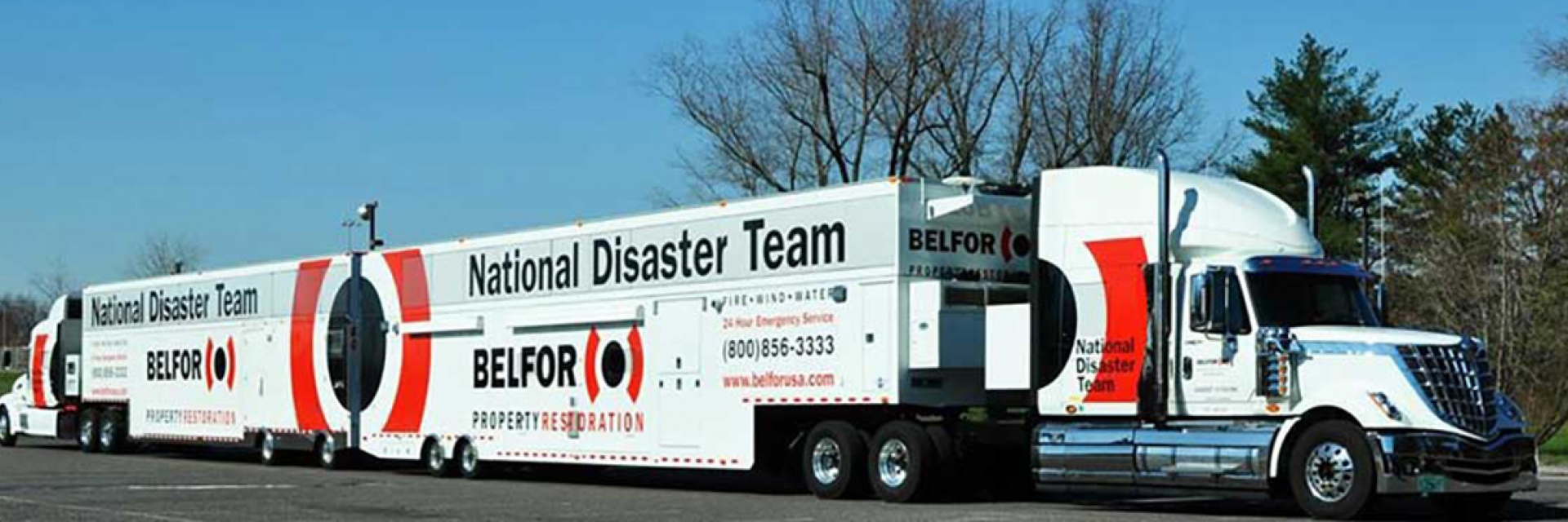 disaster-team-trucks